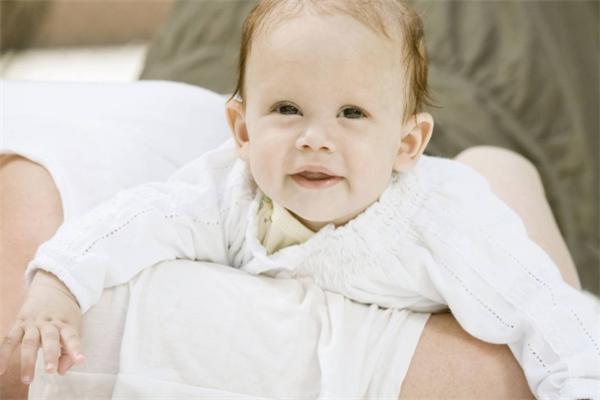 愛貝佳月嫂母嬰護理中心招牌