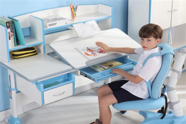 享學學習桌椅藍色桌椅