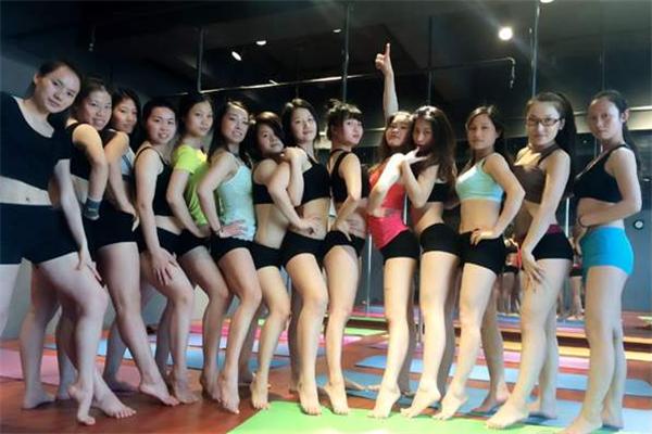鄒文舞蹈學校地板