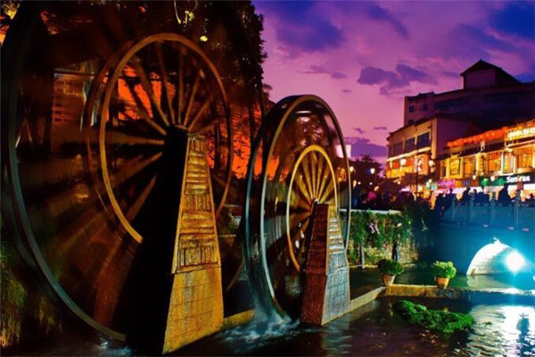 红马国旅夜景