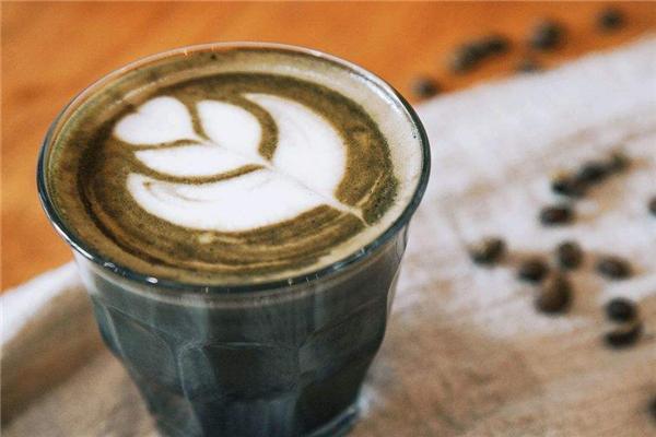 城岸咖啡一杯