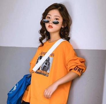 晓童年童装橙色卫衣
