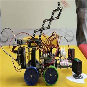 创乐机器人黄色