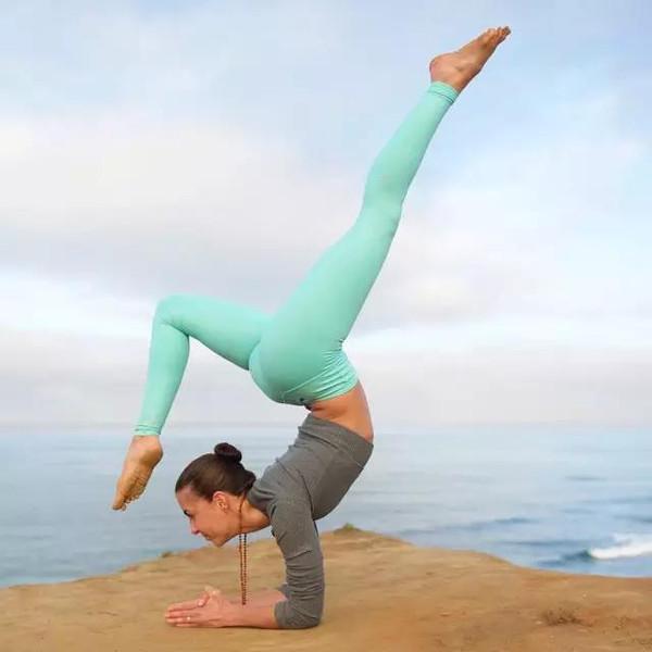 至真瑜伽会馆练习
