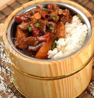 大碗菜木桶飯