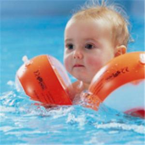 小鱼尼莫婴幼儿水育中心游泳