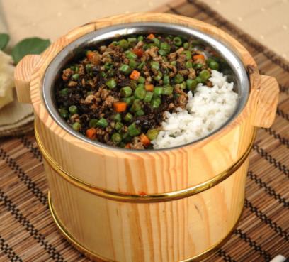 三湘农家木桶饭有食欲