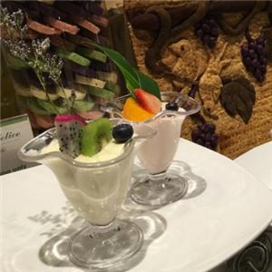 绿洲咖啡厅自助餐雷竞技最新版