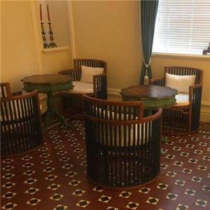 馨園咖啡廳桌子