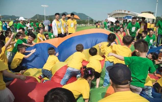 心连心幼儿园气球活动