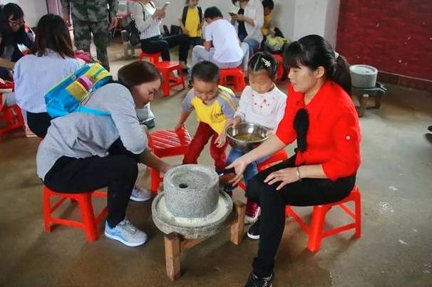 心连心幼儿园陶艺