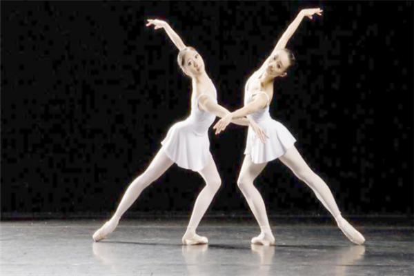 金舞鞋舞蹈学校