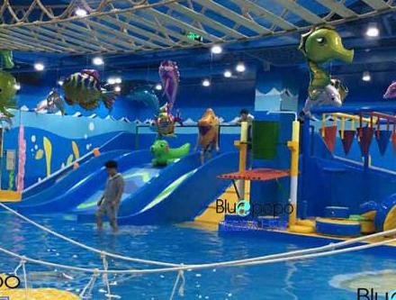 蓝泡泡水上乐园孩子