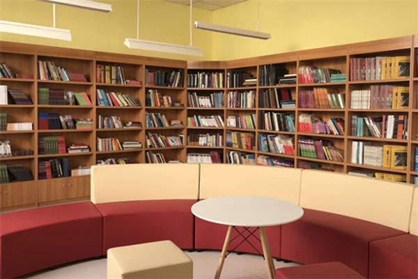 格瑞思国际高中书房
