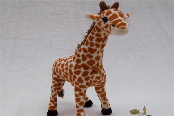 默奇毛绒玩具长颈鹿