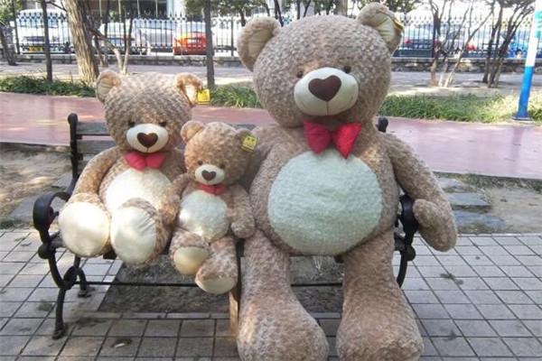 默奇毛绒玩具熊