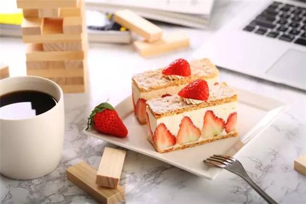 糖乐门草莓蛋糕