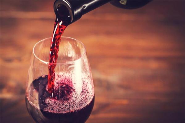 通天葡萄酒好