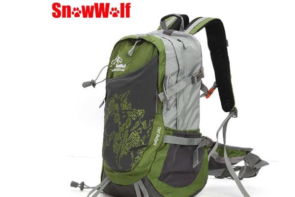 雪狼戶外用品背包