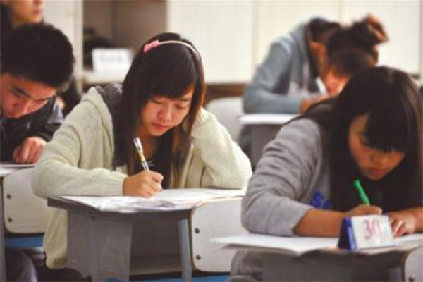 龙泽教育培训中心加盟