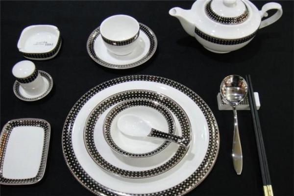 手工匠瓷餐具结实