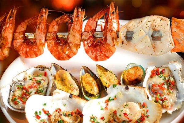 权馆马拉风味简餐&海鲜烧烤品牌