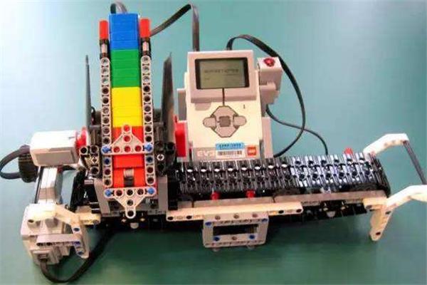 铁榔头机器人专业