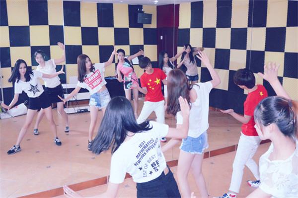 丽琳舞蹈加盟