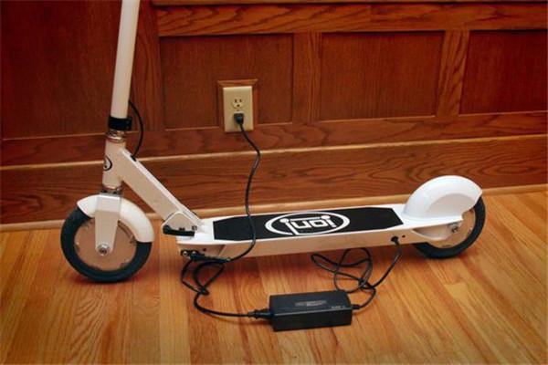 蜗牛电动滑板车加盟