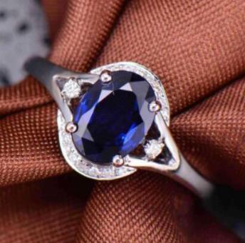 魔星莫桑钻蓝宝石