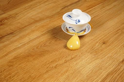 马德兰地板水杯