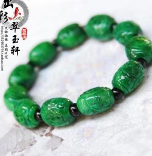七彩云南玉器翠綠