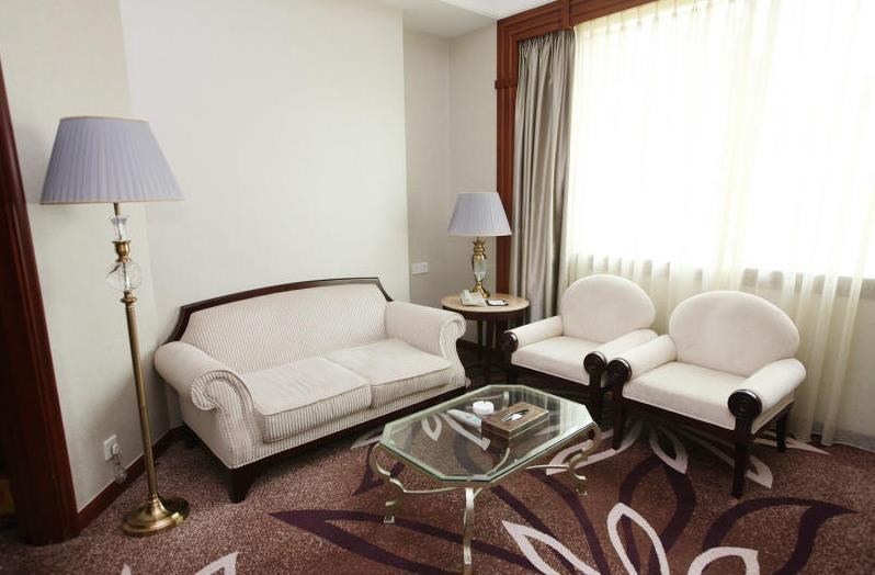 楓丹白鷺酒店休息區