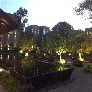 马龙盛水湾温泉酒店