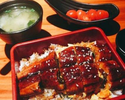 小句号日式料理干净