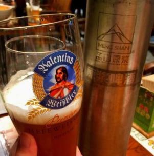 孟山原浆啤酒饮用
