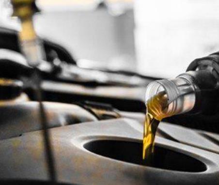 英朗燃機油倒入產品