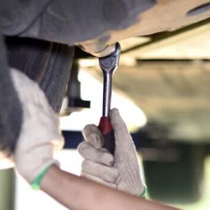 小姆指汽车快修维修