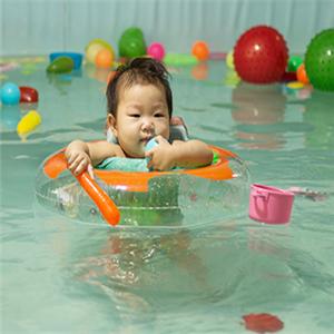 孕嬰新天地游泳