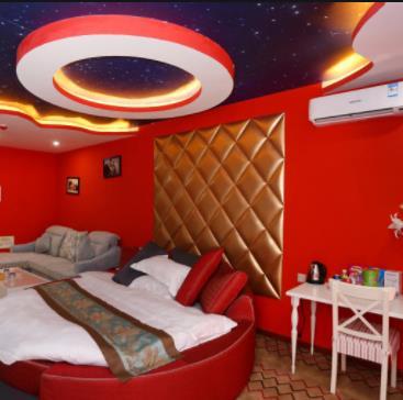 斯奇恩主题酒店红色
