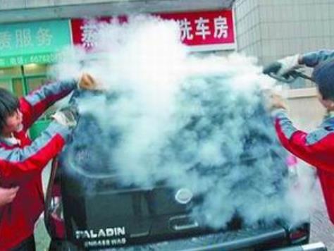 優沫環保蒸汽洗車機洗車過程