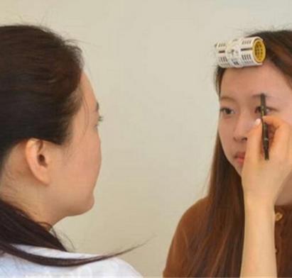 樂尚化妝培訓學校