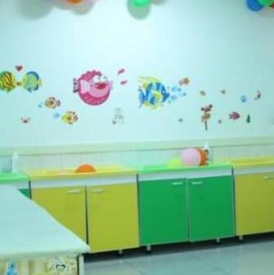 童贝孕婴生活馆柜子