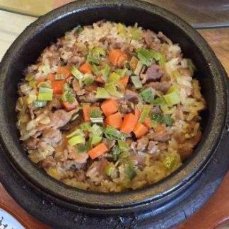 百年石锅拌饭