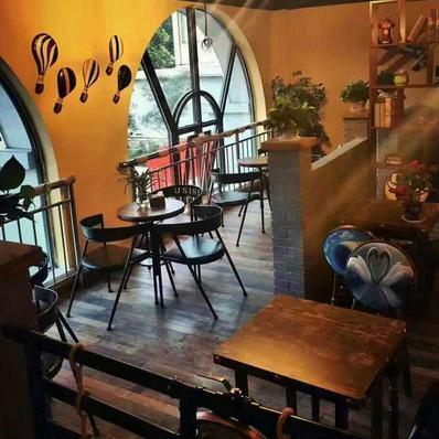 藝術+春園咖啡西餐廳環境