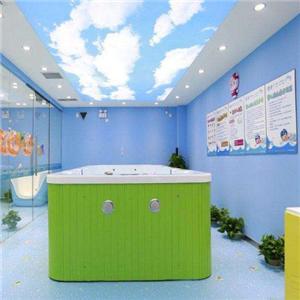 爱亲婴儿游泳馆绿色