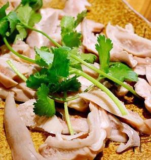 金龍匯生榨椰汁雞豬肚雞小龍蝦爆炒