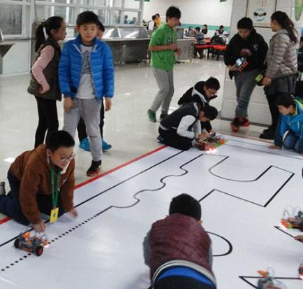 中鸣教育机器人比赛
