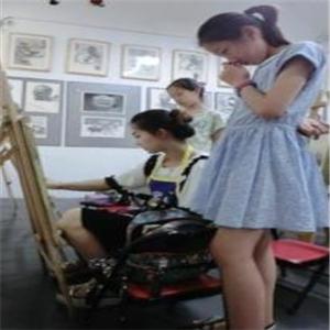 徐悲鸿艺术教育观摩