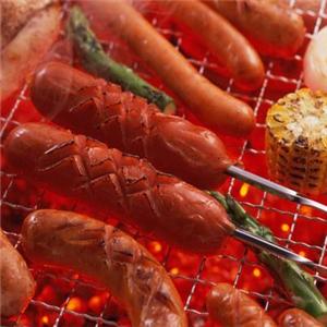 老郭燒烤烤活魚石鍋魚特點